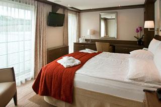 Suite cabin on Avalon Luminary
