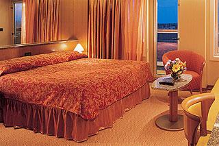 Suite cabin on Carnival Dream