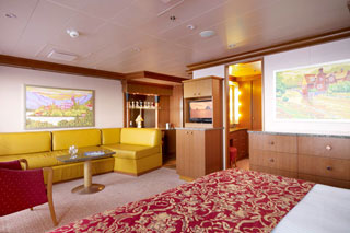 Grand Suite on Carnival Dream