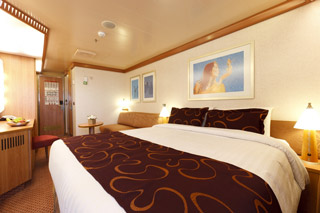 Costa favolosa cabins and staterooms for Chambre quadruple costa magica
