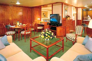 Owner's Suite with Large Balcony on Norwegian Sun