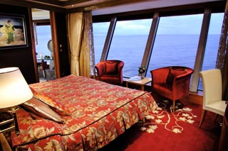2-Bedroom Family Suite with Balcony on Norwegian Dawn