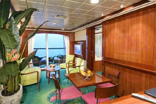 The Haven Courtyard Penthouse with Balcony on Norwegian Jewel