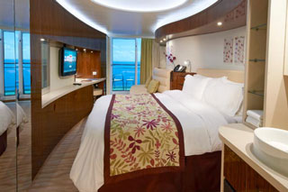 Spa Mini-Suite with Balcony on Norwegian Epic
