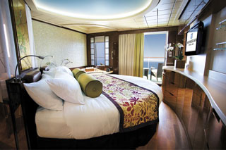 The Haven Spa Suite with Balcony on Norwegian Epic