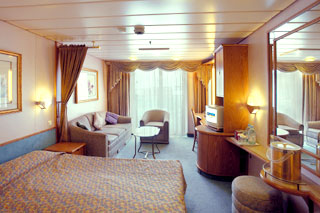 Junior Suite with Balcony on Grandeur of the Seas