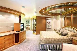 Royal Suite with Balcony on Grandeur of the Seas