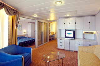 Royal Family Suite with Balcony on Vision of the Seas