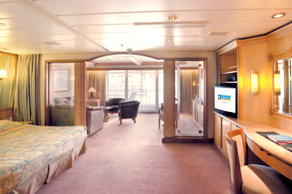 Owner's Suite with Balcony on Vision of the Seas