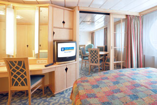 Royal Family Suite with Balcony on Navigator of the Seas