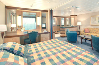 Grand Suite with Balcony on Navigator of the Seas
