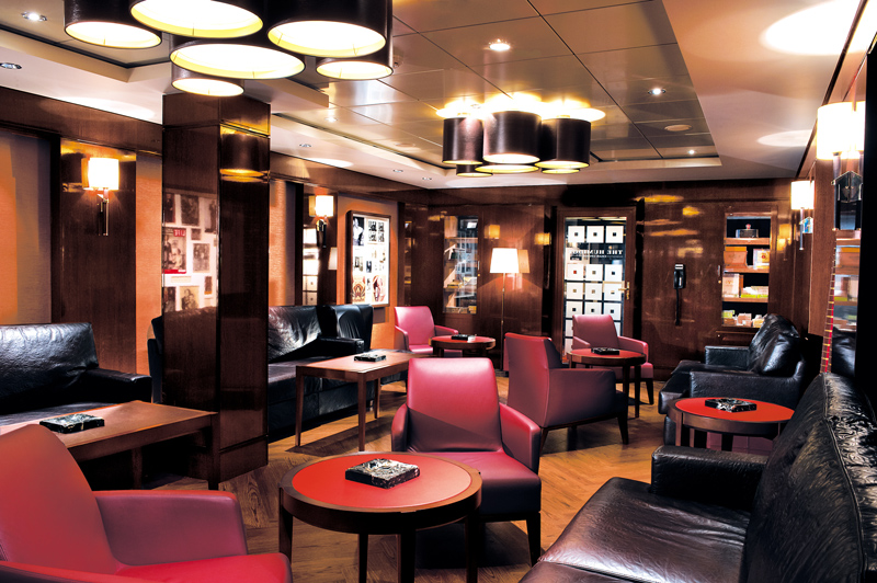 Cigar Lounge on Norwegian Epic
