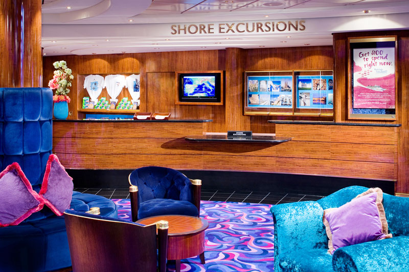 Shore Excursions Desk on Norwegian Jewel