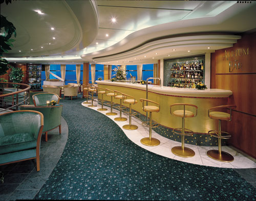 The Atrium Bar on Norwegian Sky