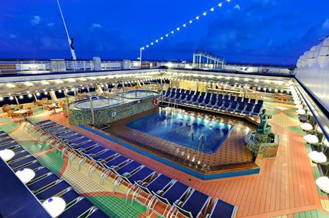 Resort Style Pool on Carnival Fantasy