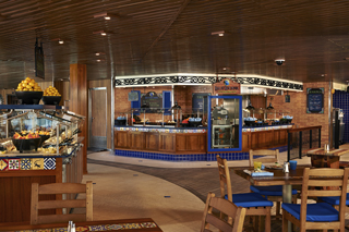 Dining on Carnival Glory