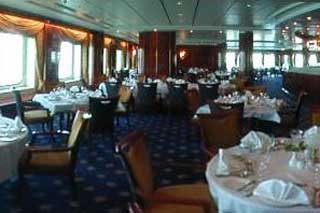 Seven Seas Main Restaurant on Norwegian Sun