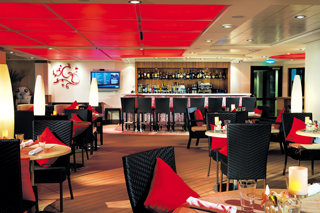 The Courtyard Grill on Norwegian Epic